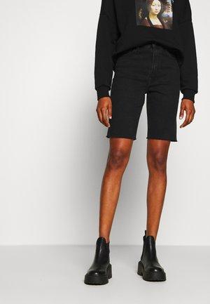 ONLEMILY LONG  - Jeansshort - black