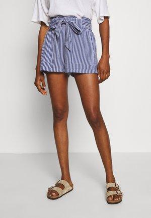 ONLMANHATTAN LIFE PAPRBAG  - Shorts - medium blue denim