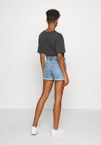 ONLY - ONLCUBA LIFE PAPERBAG - Denim shorts - medium blue denim - 2