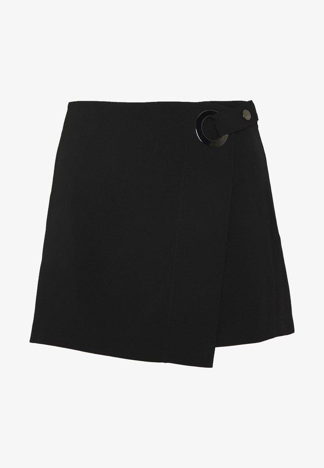 ONLHENNA ASTRID SKORTS  - Shorts - black