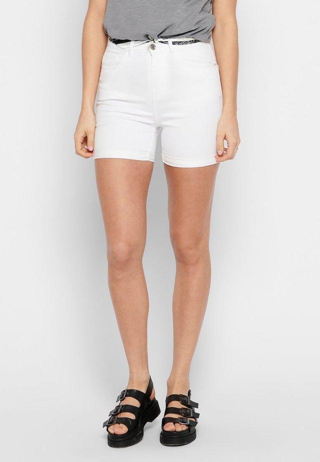 SHORTS SCHALDETAIL - Jeansshort - white