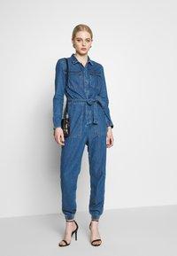 ONLY - ONLSISSY BOILER BELT SUIT - Jumpsuit - medium blue denim - 1