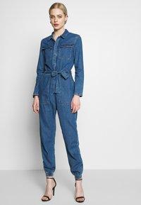 ONLY - ONLSISSY BOILER BELT SUIT - Jumpsuit - medium blue denim - 0