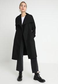 ONLY - ONLPHOEBE DRAPY COAT  - Classic coat - black - 2