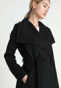 ONLY - ONLPHOEBE DRAPY COAT  - Classic coat - black - 4