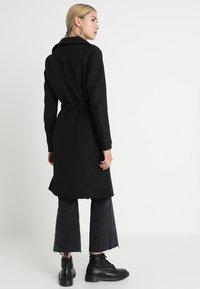 ONLY - ONLPHOEBE DRAPY COAT  - Classic coat - black - 3