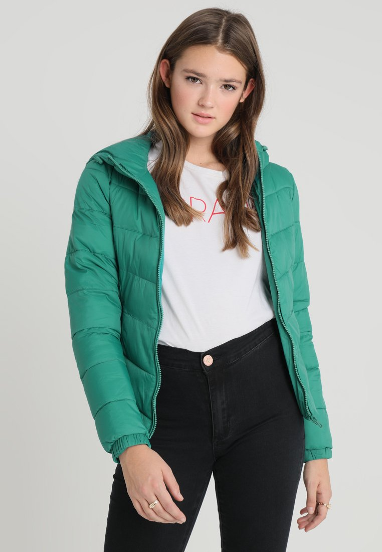 ONLY - ONYNORTH QUILTED PANEL HOOD - Giacca da mezza stagione - cadmium green