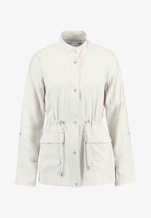 ONLDANIELLE UTILITY JACKET - Summer jacket - peyote