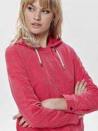 ONLY - NEW SKYLAR SPRING - Training jacket - red - 3