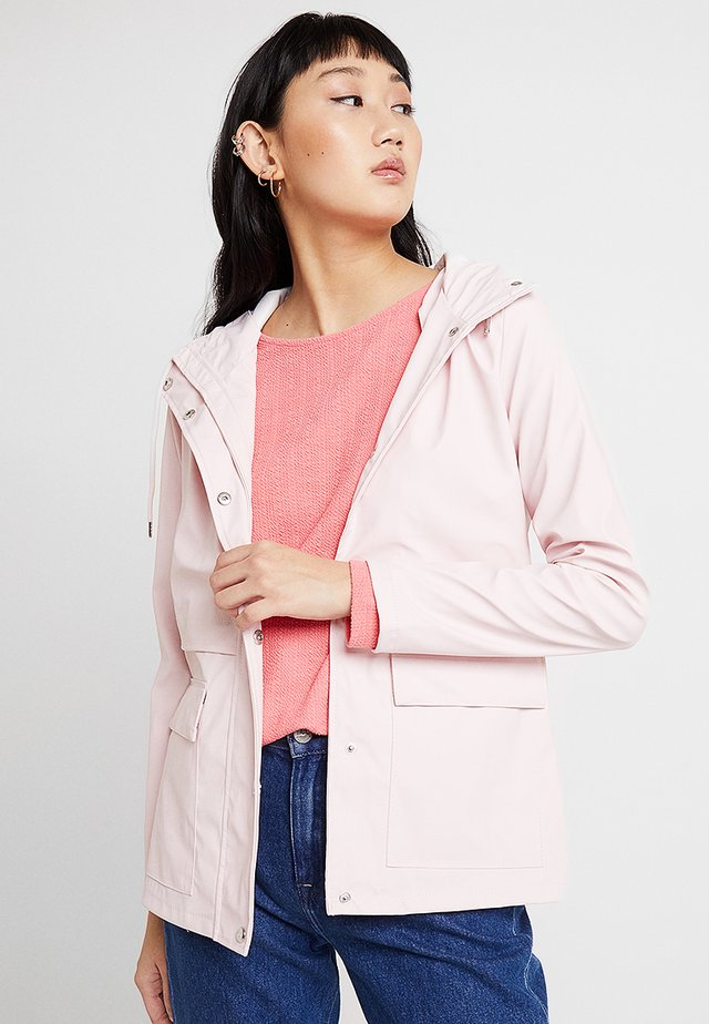 ONLTRAIN RAINCOAT - Regenjas - strawberry cream
