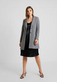 ONLY - LINDA - Kort kåpe / frakk - medium grey melange - 0