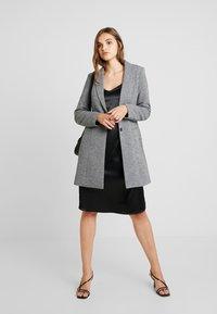 ONLY - LINDA - Kort kåpe / frakk - medium grey melange - 1