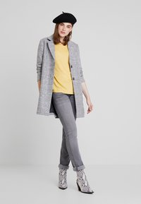 ONLY - ONLARYA COAT - Halflange jas - light grey melange - 1