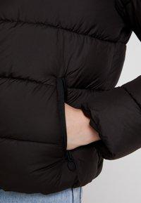 ONLY - ONLCAMMIE QUILTED JACKET - Lehká bunda - black - 3