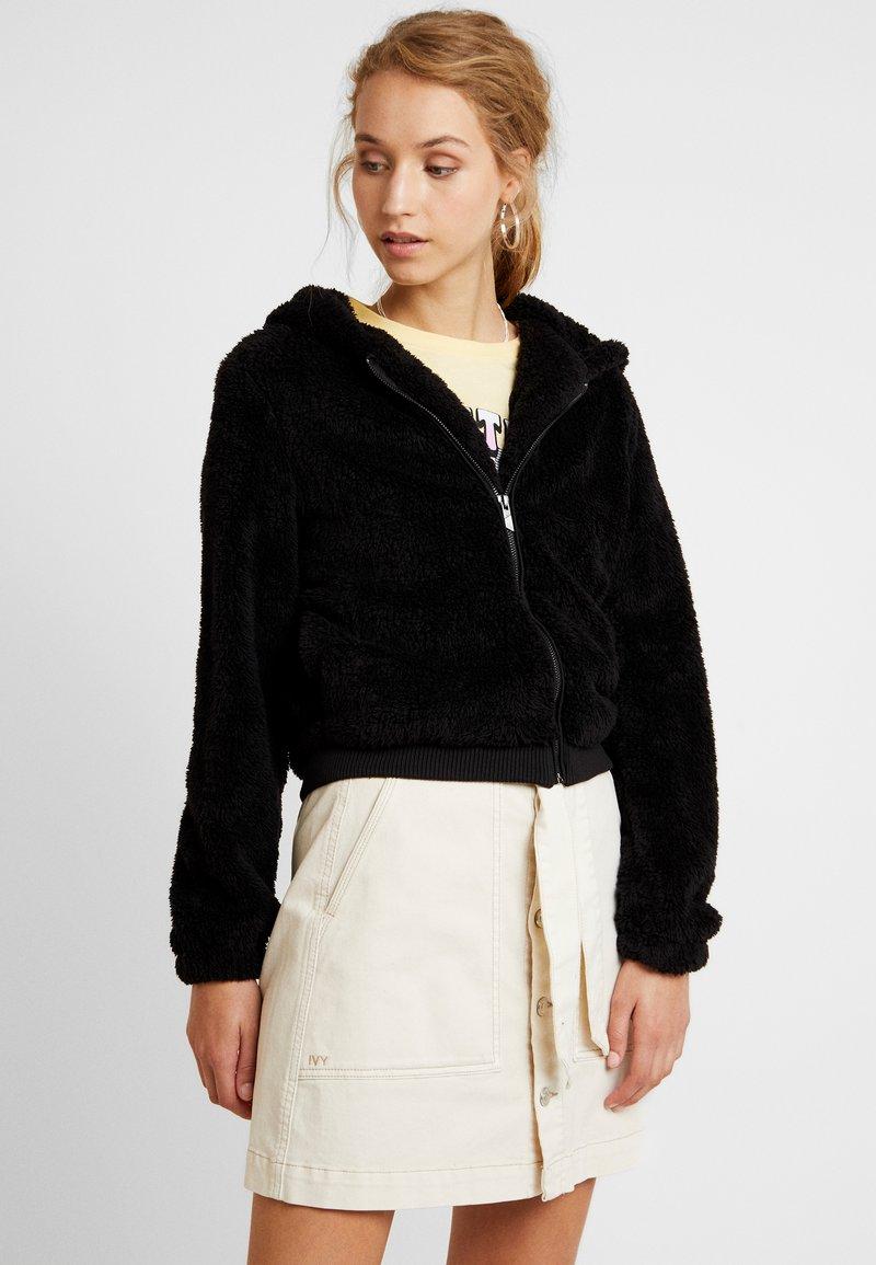 ONLY - ONLANNA CONTACT SHERPA JACKET - Zimní bunda - black