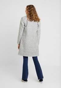 ONLY - ONLASTRID MARIE COAT - Cappotto corto - medium grey melange - 2