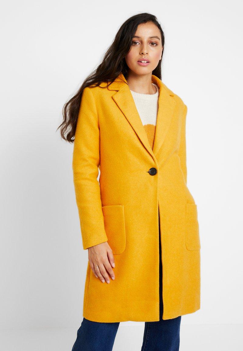 ONLY - ONLASTRID MARIE COAT - Kurzmantel - golden yellow