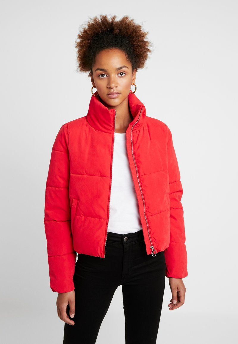 ONLY - ONLDINA SHORT QUILTED PUFFER - Vinterjakker - chinese red