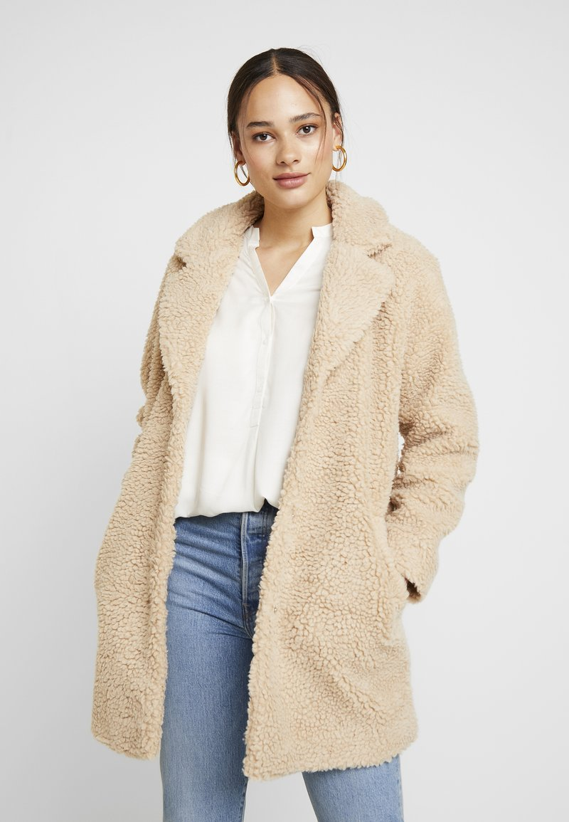 ONLY - ONLAURELIA SHERPA COAT - Winter coat - cuban sand