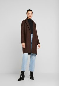 ONLY - ONLMICHELLE BONDED COAT - Manteau court - shaved chocolate/solid - 1
