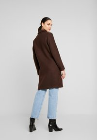 ONLY - ONLMICHELLE BONDED COAT - Manteau court - shaved chocolate/solid - 2