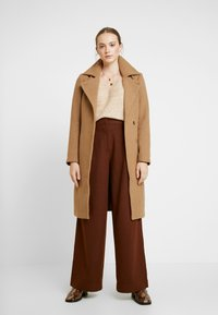 ONLY - ONLNAYLA RIANNA COAT - Zimní kabát - camel/melange - 1