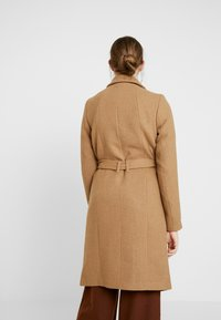 ONLY - ONLNAYLA RIANNA COAT - Zimní kabát - camel/melange - 2