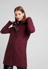ONLY - ONLSEDONA MARIE COAT - Krátký kabát - tawny port/melange - 0
