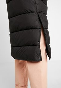 ONLY - ONLCAMMIE LONG QUILTED COAT - Winterjas - black - 4