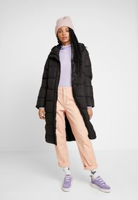 ONLY - ONLCAMMIE LONG QUILTED COAT - Winterjas - black - 1