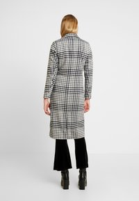 ONLY - ONLROMINA CHECK COAT - Classic coat - feather gray/blue graphite - 2