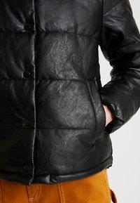 ONLY - ONLSHELA PUFFER JACKET - Zimní bunda - black - 5