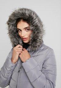ONLY - ONLELLAN QUILTED HOOD - Krátký kabát - silver filigree - 4