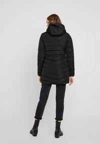 ONLY - ONLELLAN QUILTED HOOD - Krátký kabát - black - 3
