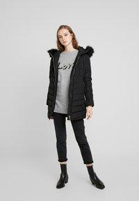 ONLY - ONLELLAN QUILTED HOOD - Krátký kabát - black - 1