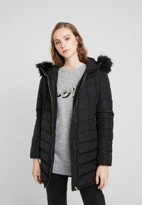 ONLY - ONLELLAN QUILTED HOOD - Krátký kabát - black - 0
