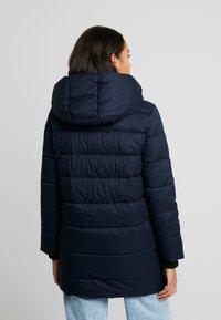 ONLY - ONLVIKKI QUILTED COAT - Zimní kabát - night sky - 2