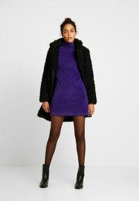 ONLY - ONLCAMILLA SHEARLING COAT - Zimní kabát - black - 1