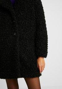 ONLY - ONLCAMILLA SHEARLING COAT - Zimní kabát - black - 3