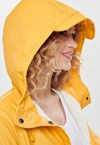 ONLY - Waterproof jacket - yolk yellow - 3