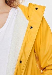ONLY - Waterproof jacket - yolk yellow - 5