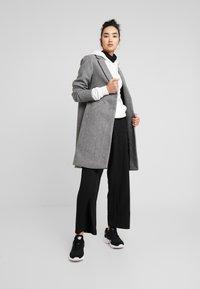 ONLY - ONLVERONICA - Płaszcz wełniany /Płaszcz klasyczny - medium grey melange - 1
