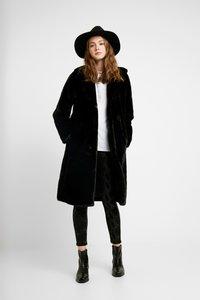 ONLY - ONLASHLEY COAT - Płaszcz zimowy - black - 1