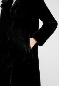 ONLY - ONLASHLEY COAT - Płaszcz zimowy - black - 5