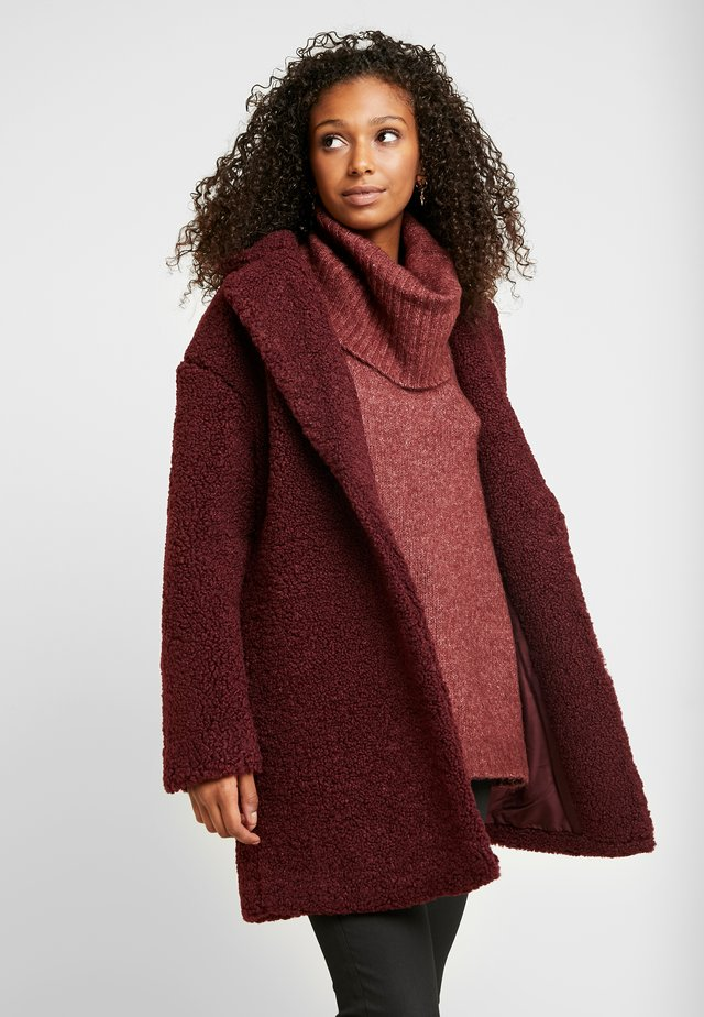 ONLALMA TEDDY COAT - Abrigo corto - windsor wine