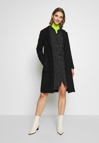 ONLY - ONLAMINA COAT - Kåpe / frakk - black - 1
