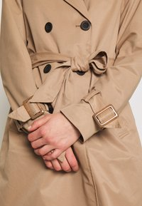 ONLY - ONLVEGA - Trenchcoat - brown - 5