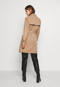 ONLY - ONLVEGA - Trenchcoat - brown - 2