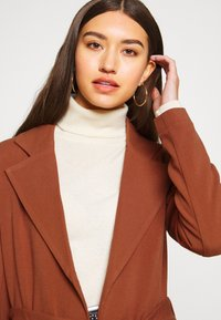 ONLY - ONLPENELOPE - Classic coat - brown patina - 3