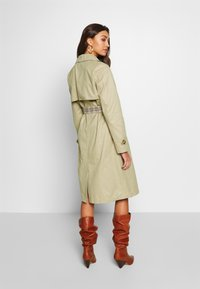 ONLY - ONLADDIE - Trench - feather gray - 2